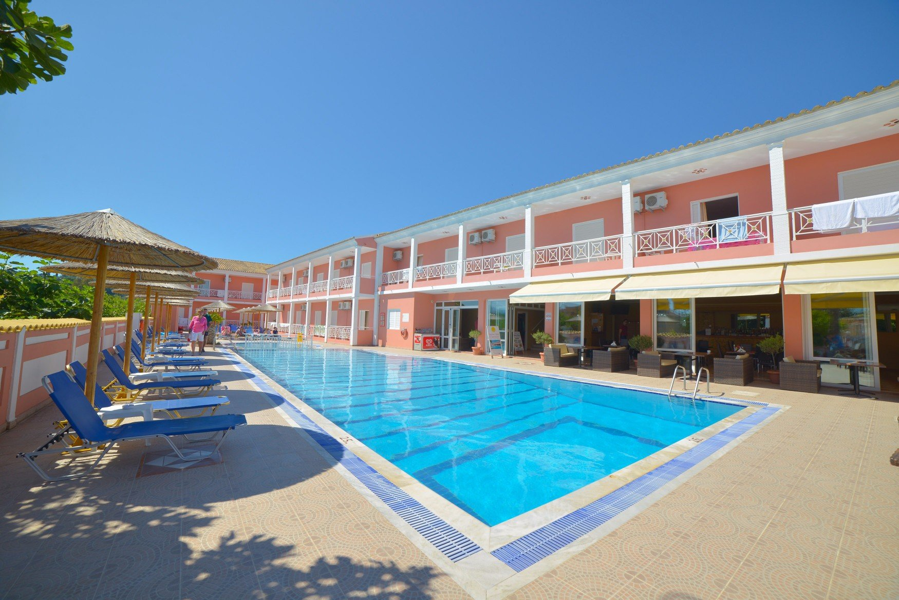 angelina-hotel-sidari-corfu-pool-area